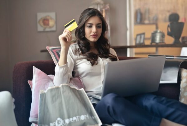 Lady purchasing products online.